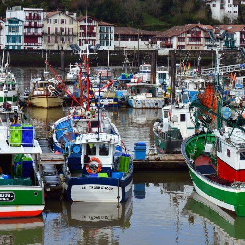 fishing-port-1324644_1920